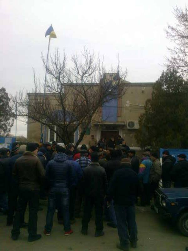 Измаильский р-н: жители села Озерное требуют отставки сельского головы (ФОТО)
