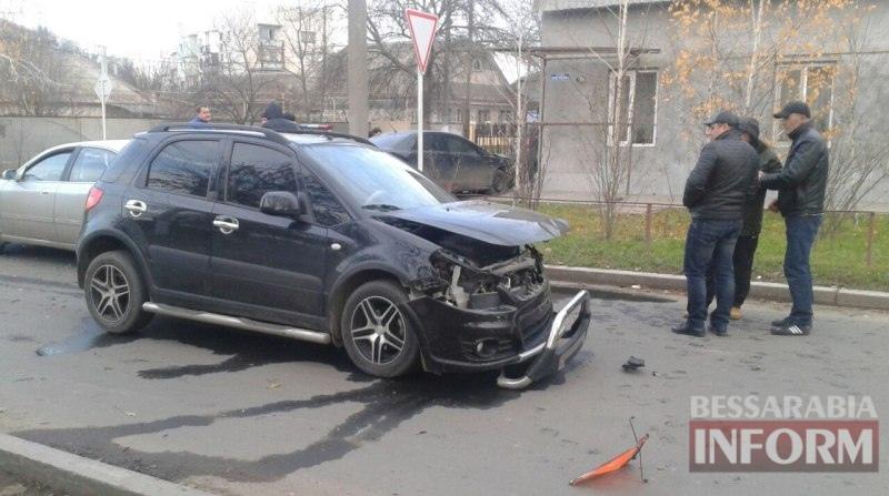 ДТП в Измаиле: на Коммерческой Mitsubishi протаранил Suzuki и Chery (фото)