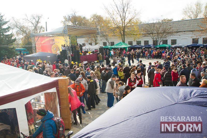 Винный фестиваль «Bolgrad Wine Fest 2016»: вино, каварма и хора (фоторепортаж)