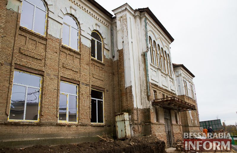 """IMG_1914 Минус одно """"мертвое"""" здание в Измаиле: бывшее управление пароходства станет гостиницей (ФОТО)"""