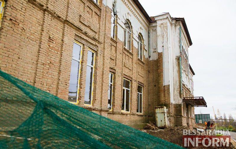 """IMG_1916 Минус одно """"мертвое"""" здание в Измаиле: бывшее управление пароходства станет гостиницей (ФОТО)"""