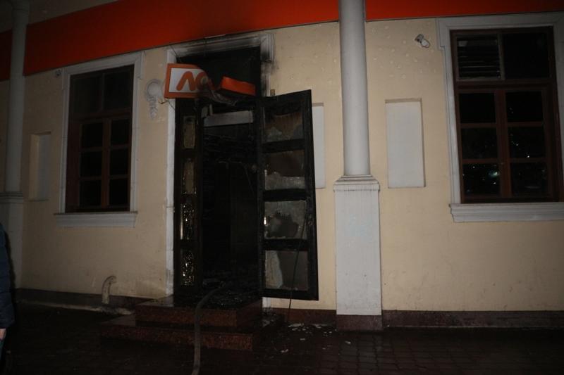 В Одессе подожгли игровой зал, есть пострадавшие (фото)