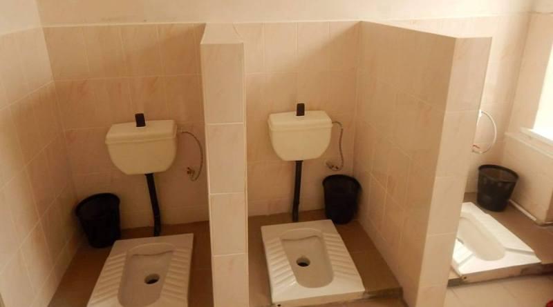 В Раздельнянском районе чиновники с помпой открыли школьный туалет