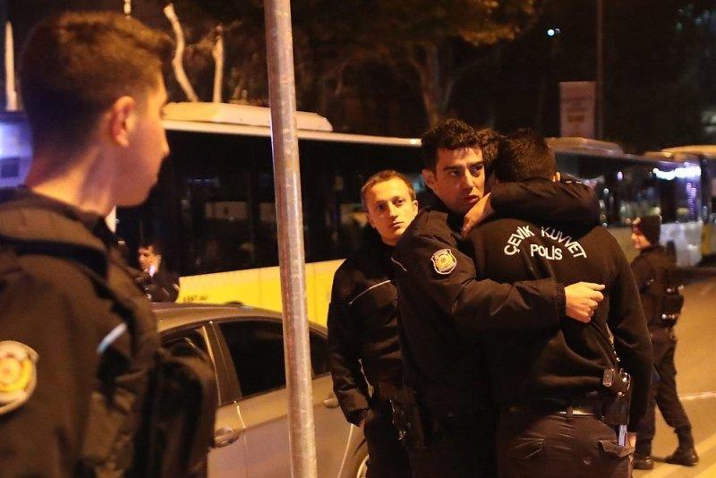 1_35cb10ed Двойной теракт в Стамбуле: 29 погибших, 166 раненных (ФОТО)