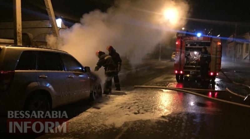 586003eb08120_347535734 В Измаиле возле автостанции сгорел автомобиль (фото, видео)