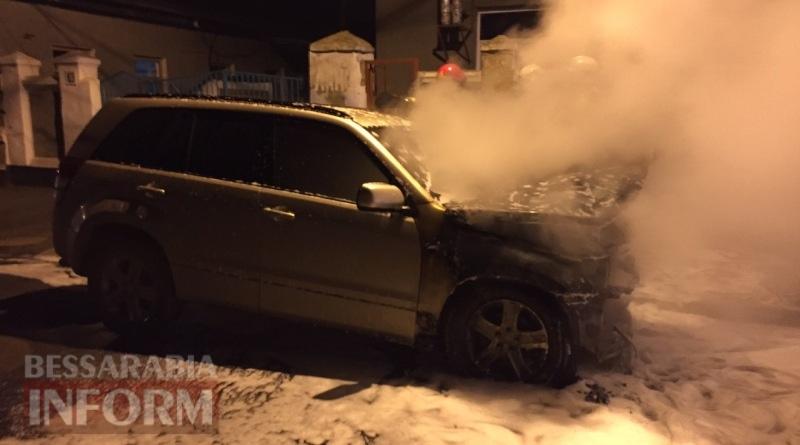 586003eb13c21_4357347654 В Измаиле возле автостанции сгорел автомобиль (фото, видео)