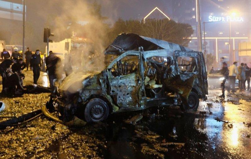 8_2c4eddfc Двойной теракт в Стамбуле: 29 погибших, 166 раненных (ФОТО)