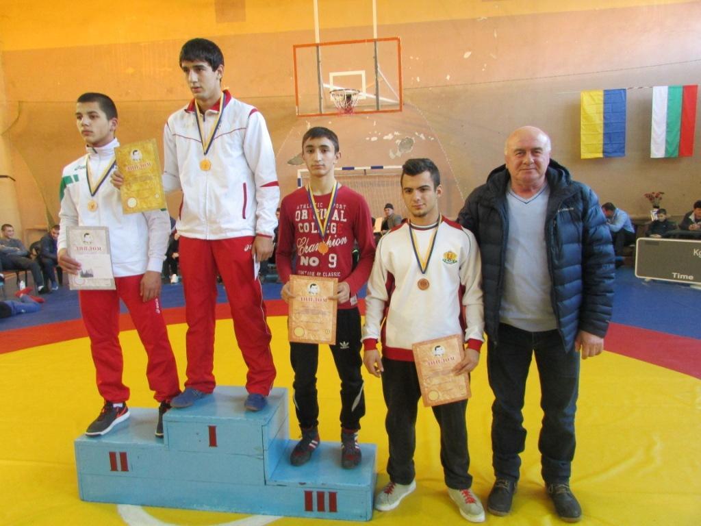 Саратский р-н: в селе Заря прошел международный турнир по вольной борьбе
