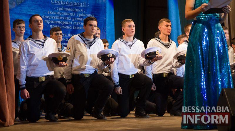 IMG_3431 Офицерский бал: в Измаиле будущих моряков посвящали в первокурсники (ФОТО)