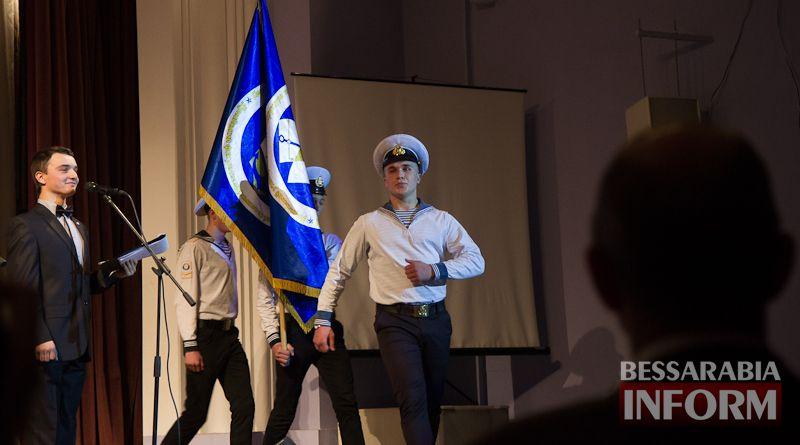 IMG_3435 Офицерский бал: в Измаиле будущих моряков посвящали в первокурсники (ФОТО)