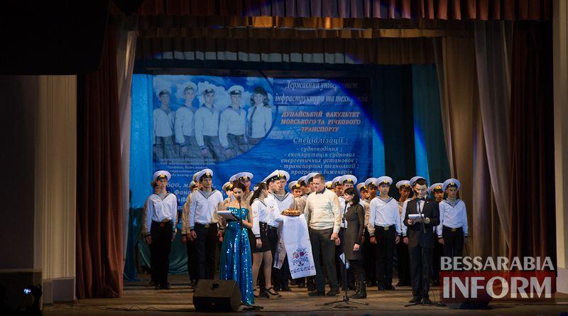 IMG_3446 Офицерский бал: в Измаиле будущих моряков посвящали в первокурсники (ФОТО)