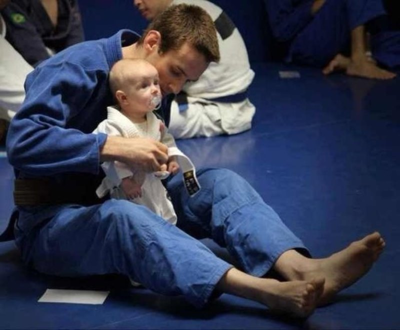 Поступок: в Измаиле тренер по дзюдо спас от разбойного нападения девушку