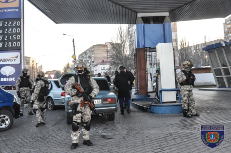 В Одессе полицейские со стрельбой задержали опасную этническую преступную группу (ФОТО)