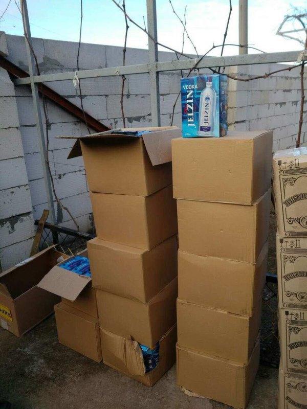 RPIvRnDPwCw В Измаиле накрыли крупный подпольный цех по розливу контрабандного алкоголя (ФОТО)