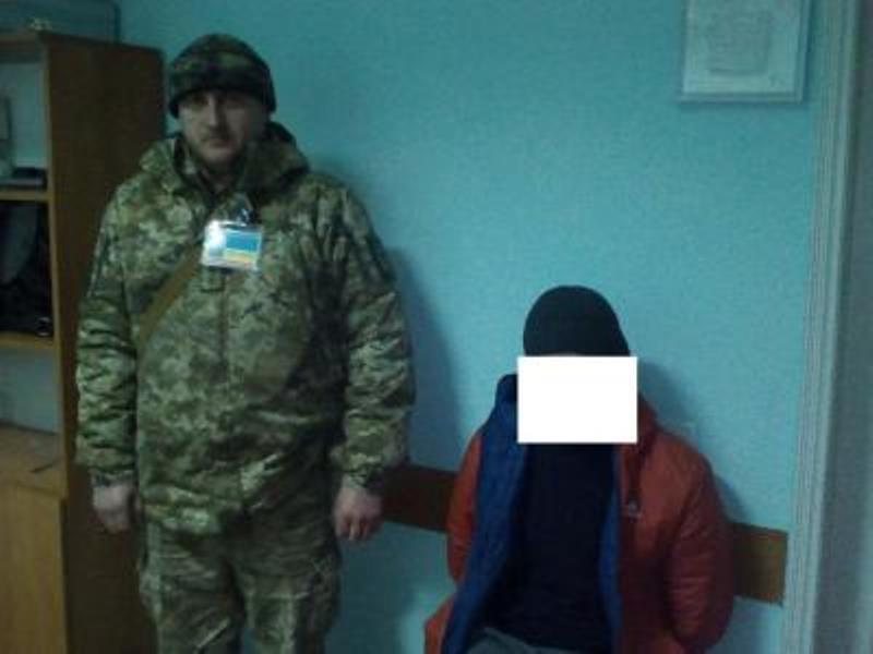 """В пункте пропуска """"Табаки"""" задержан один из участников ограбления банка в Сергеевке (ФОТО)"""