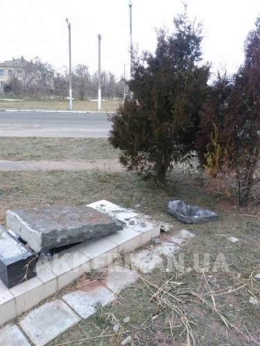 В Белгород-Днестровском разрушили памятник расстрелянным евреям