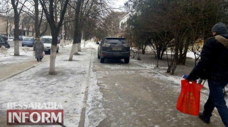 """""""Я паркуюсь как..."""": наглость измаильских автохамов не имеет границ (фото)"""