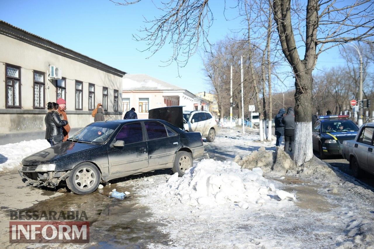5889bf79ddf5a_A182Ag9DEYI ДТП в Измаиле: на одном из самых аварийных перекрестков снесли светофор (фото)