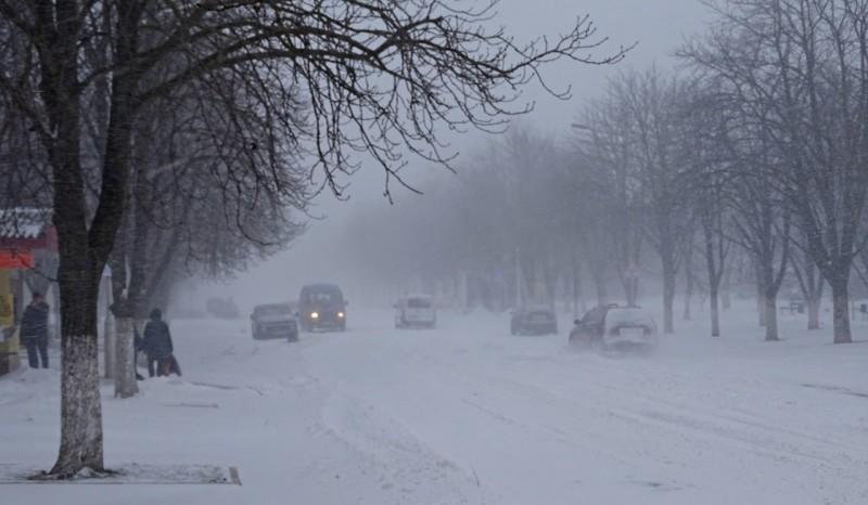 Измаил борется со стихией: на дорогах работают 15 единиц техники и вездеход (ФОТО)