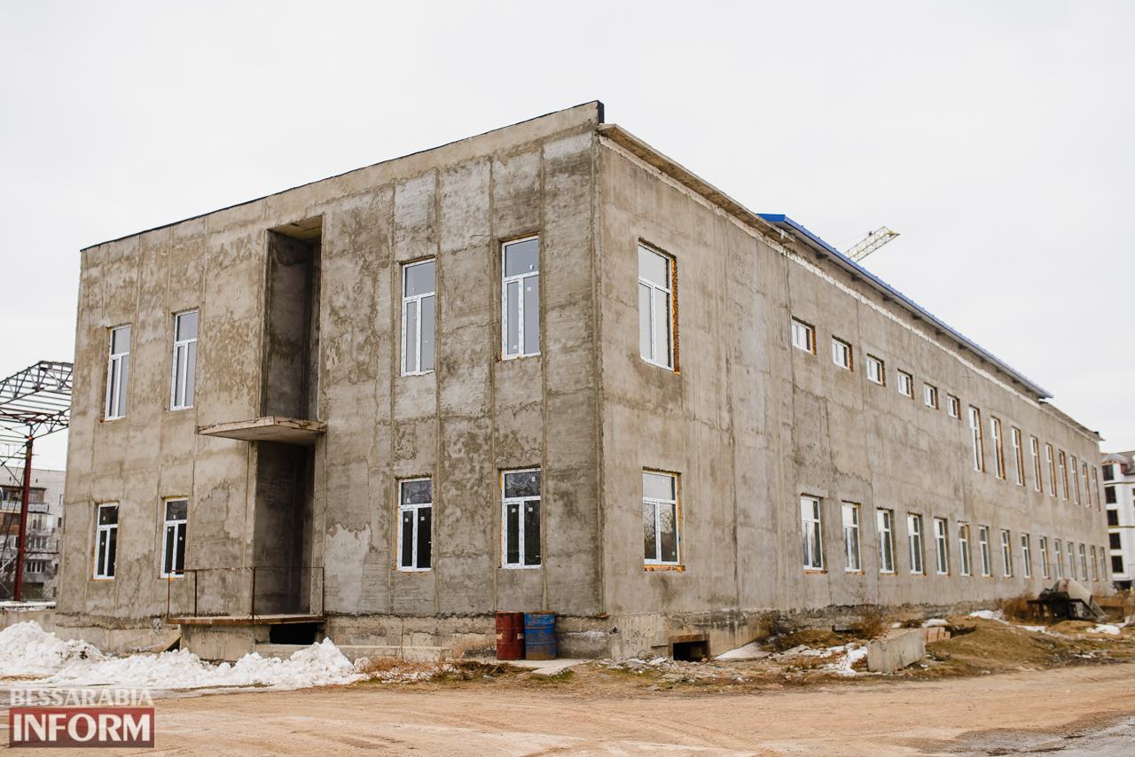SME_3816 Новый губернатор посетил строительство Дворца спорта в Измаиле (ФОТО)