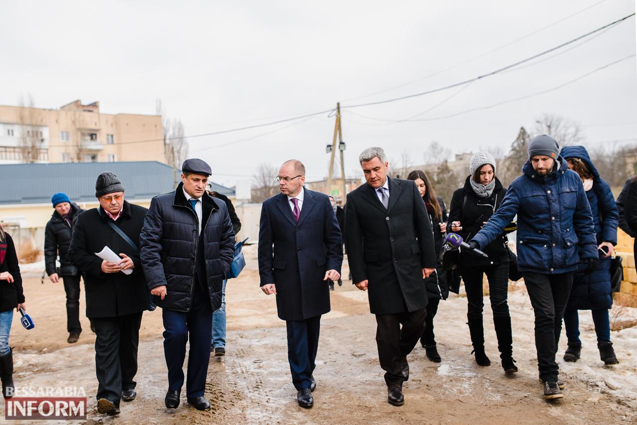 SME_3890 Новый губернатор посетил строительство Дворца спорта в Измаиле (ФОТО)