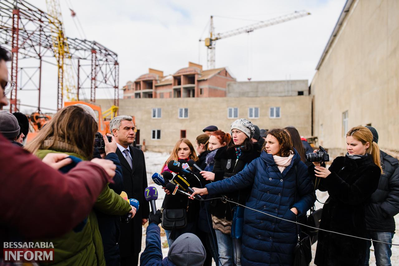 SME_3944 Новый губернатор посетил строительство Дворца спорта в Измаиле (ФОТО)