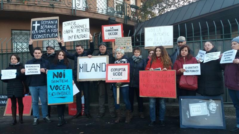 ZyZ3PTgwMCZoYXNoPWFhYWJlNTA4YWI3NjM0NTBhYTc2MzllMzlkN2ViNjE4.thumb_ В Румынии десятки тысяч людей вышли на антиправительственные митинги