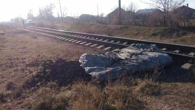 Неизвестные пытались украсть уголь из грузового поезда сообщением Етулия-Рени (ФОТО)