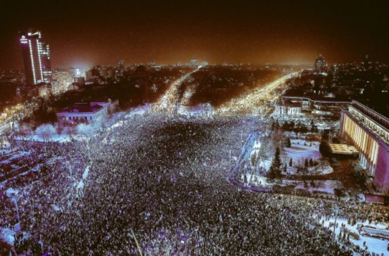 Румынский майдан: полмиллиона людей требуют отставки правительства