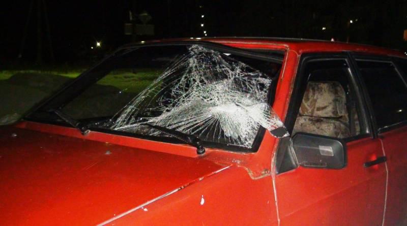 ВАЗ 2109 разбитое лобовое стекло
