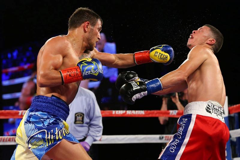 160611-martinez-vs-lomachenko-fight-night-ss-05 Да, он такой: у Ломаченко самый красивый...нокаут (видео)