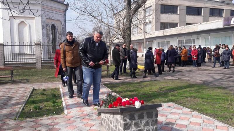 17264885_264847813961676_3047961055877317777_n-e1489503011668 День украинского добровольца в Килии отметили торжественной церемонией возложения цветов (фото)