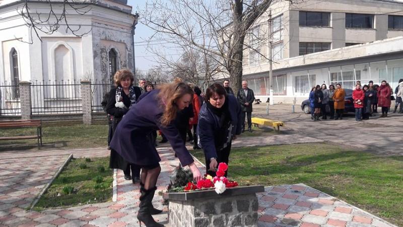 17309625_264847710628353_141619225373958700_n-e1489503065803 День украинского добровольца в Килии отметили торжественной церемонией возложения цветов (фото)