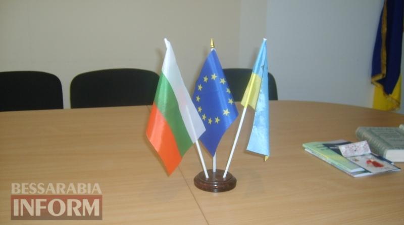 День освобождения Болгарии в Измаиле: без гимнов и при приспущенных флагах (ФОТО)