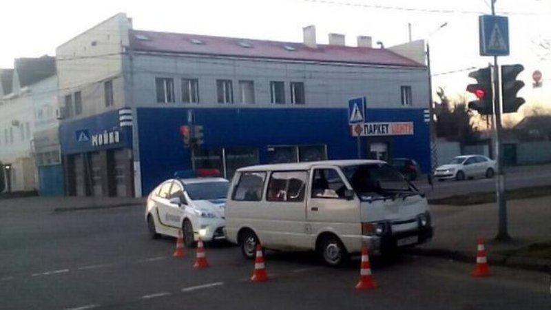 В Одессе пьяный водитель сбил пешехода и протащил его под автомобилем около 100 метров