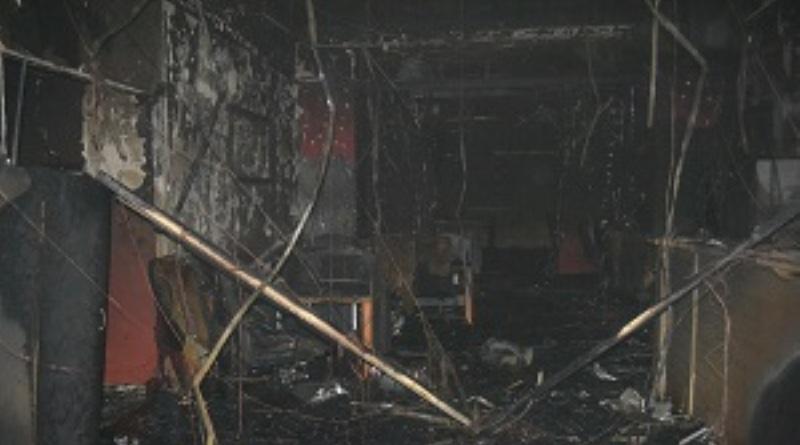 """В Одессе сожгли очередной игровой зал """"Лото-маркета"""", а заодно и квартиру соседей"""
