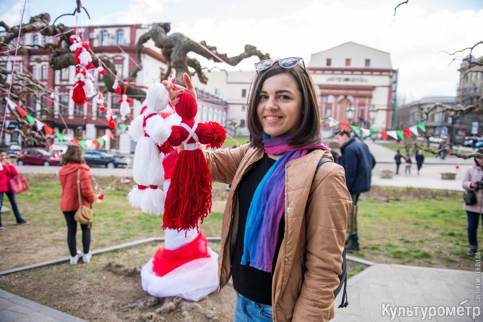 """DSC_9391 Болгары, прощаясь с Бабой Мартой, """"зажгли"""" возле Оперного театра в Одессе"""