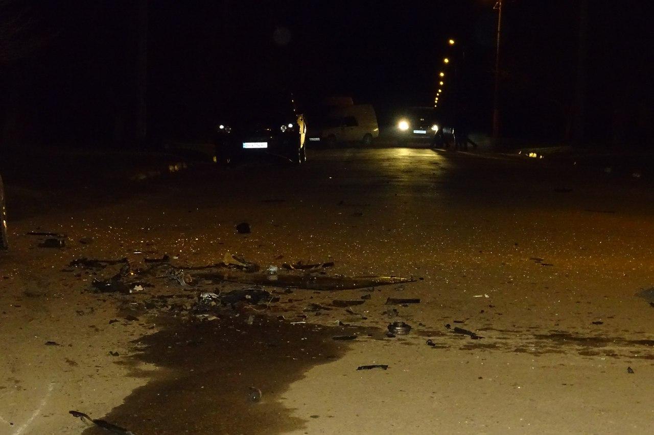"""FNTeP6NE20g В Измаиле BMW вылетел на """"встречку"""" и протаранил ВАЗ-21099"""