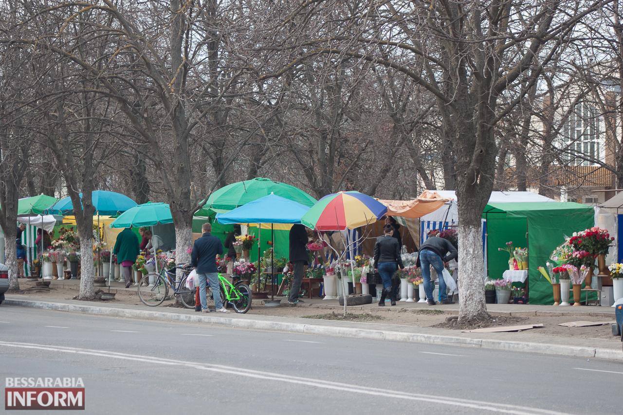 IMG_7439 Сегодня в Измаиле уже выстраивались очереди за букетами к 8 Марта (фоторепортаж)