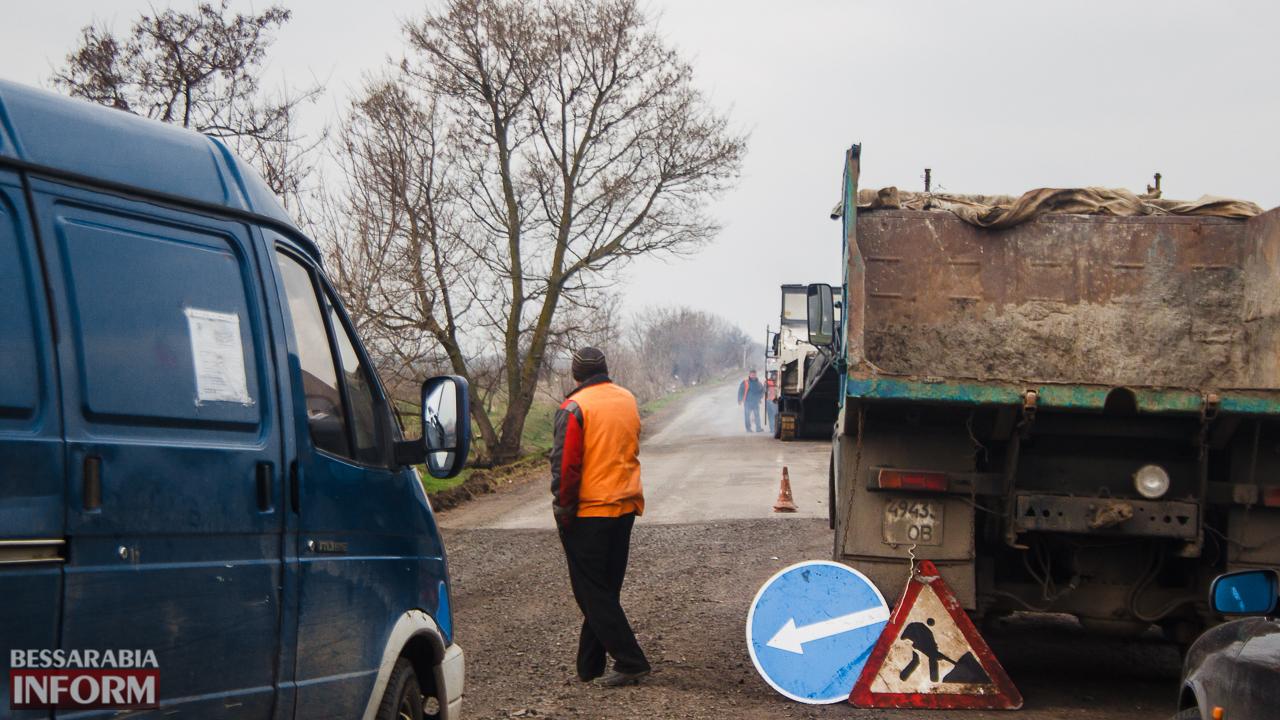 IMG_7511 Дорожники возобновили работы по ремонту трассы Одесса-Рени