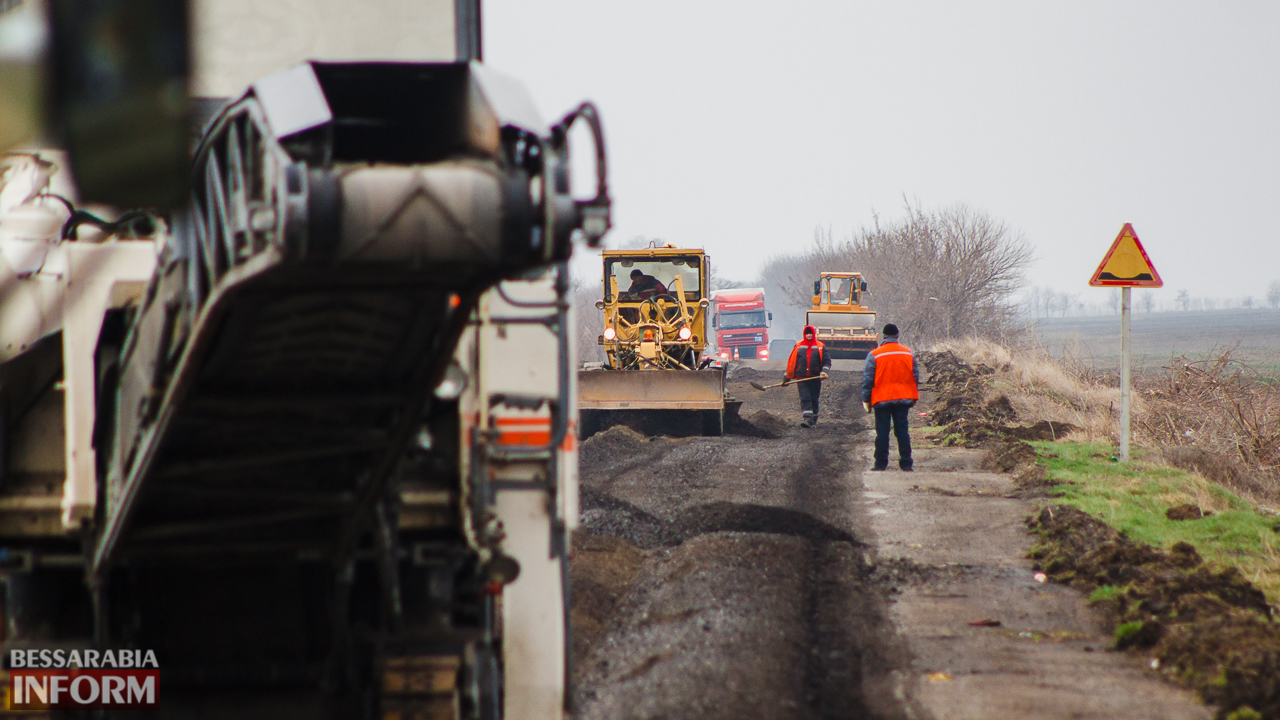 IMG_7523 Дорожники возобновили работы по ремонту трассы Одесса-Рени