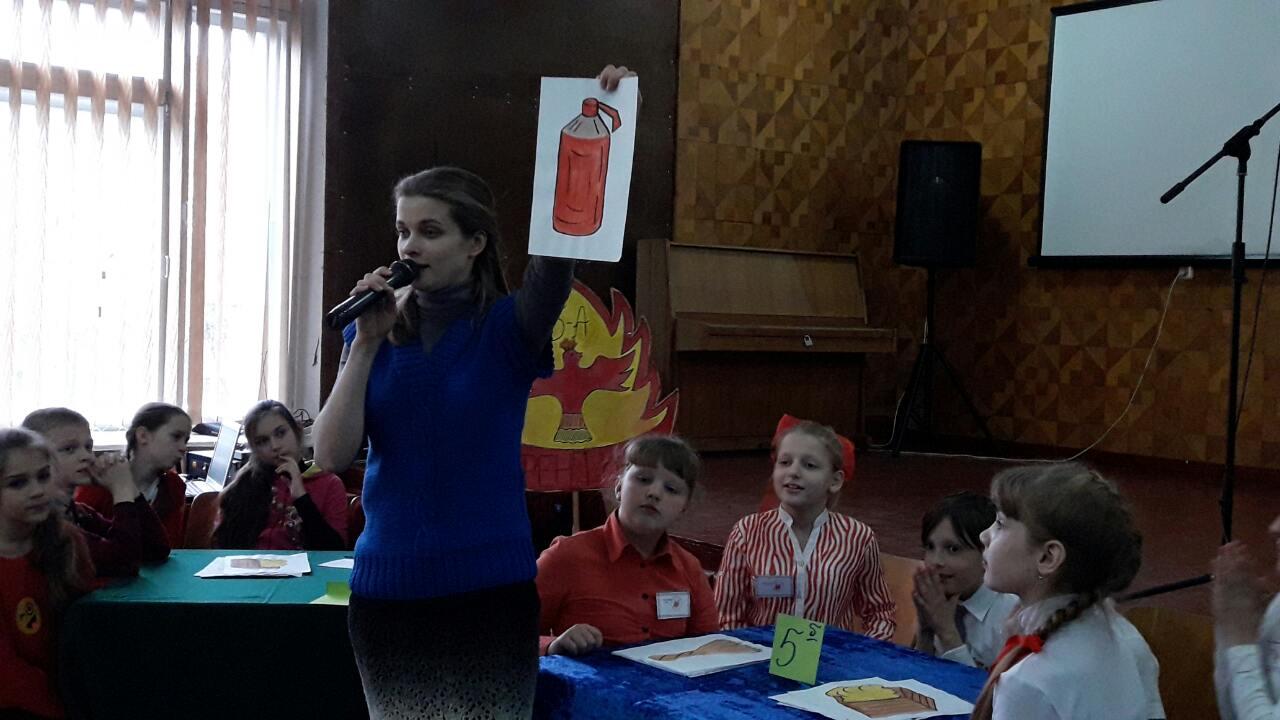 OPbLlu4-cU В измаильской школе состоялось соревнование дружины юных пожарников (фото)