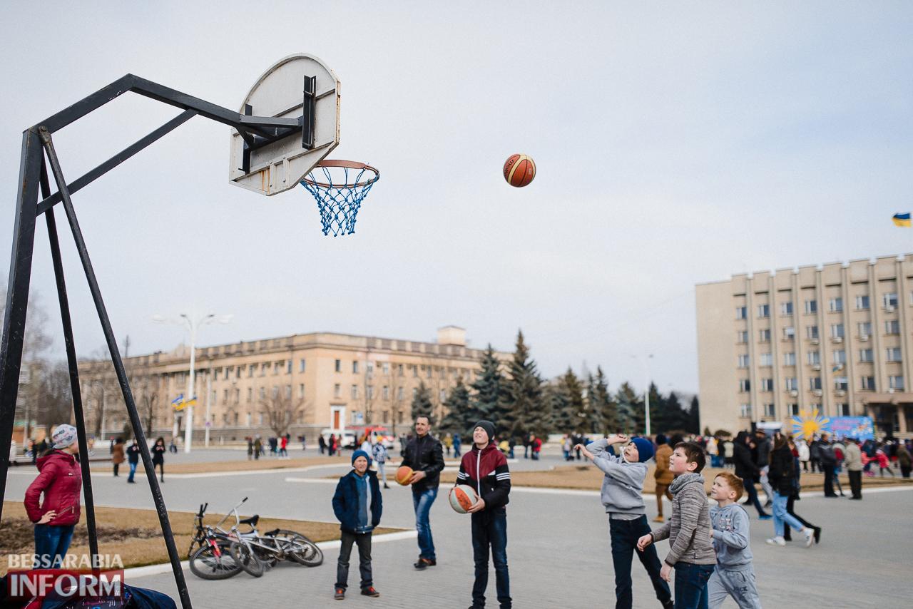 SME_7131 Как в Измаиле встречали весну: гулянья, спортивные забавы, угощения и концерт (фоторепортаж)