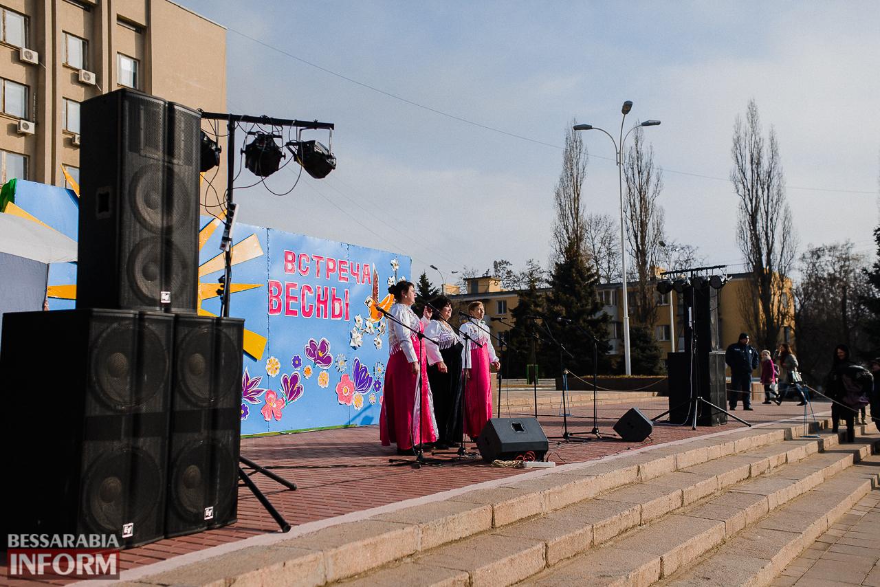 SME_7140 Как в Измаиле встречали весну: гулянья, спортивные забавы, угощения и концерт (фоторепортаж)