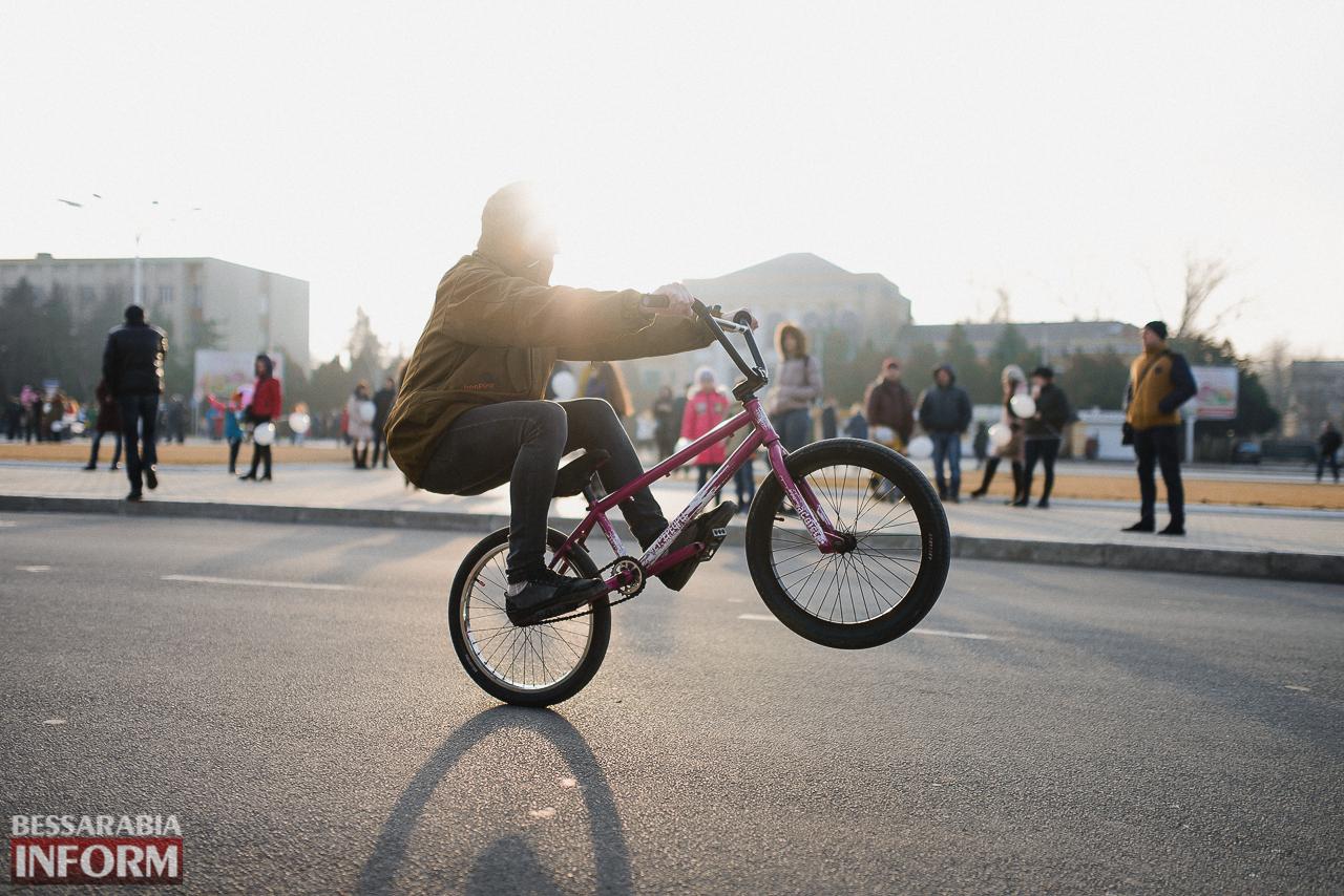 SME_7258 Как в Измаиле встречали весну: гулянья, спортивные забавы, угощения и концерт (фоторепортаж)