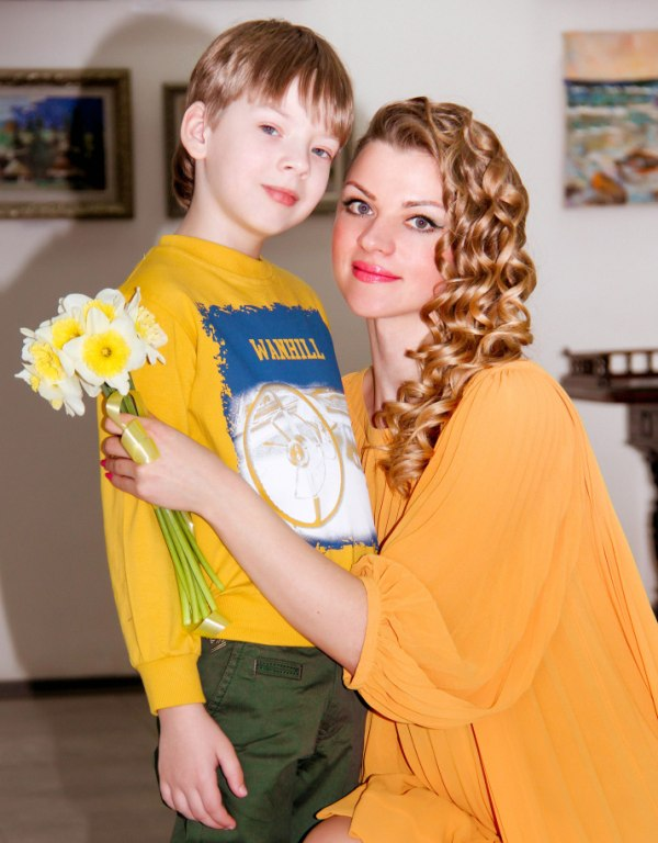 Юлия Радом: «Быть женщиной – значит быть маленькой чистой девочкой в душе и всё время чувствовать любовь»