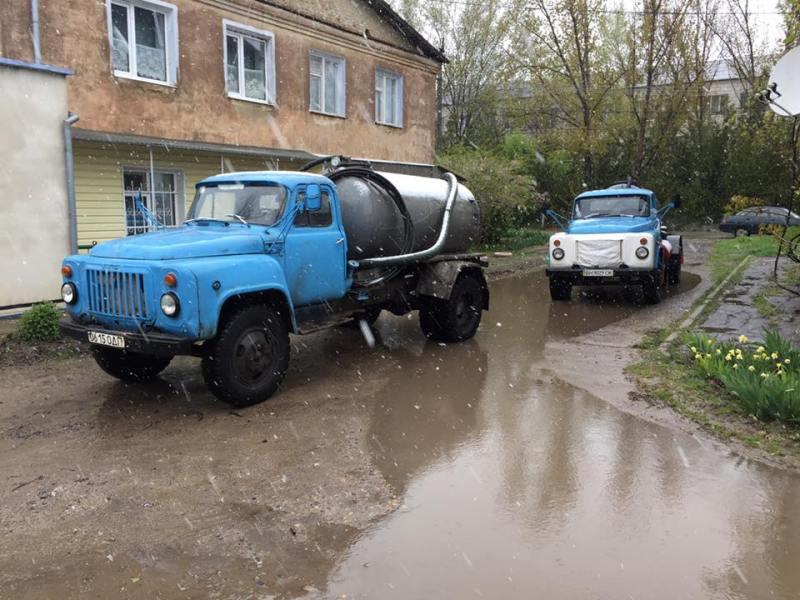 Килию топит: спасатели еле успевают откачивать воду