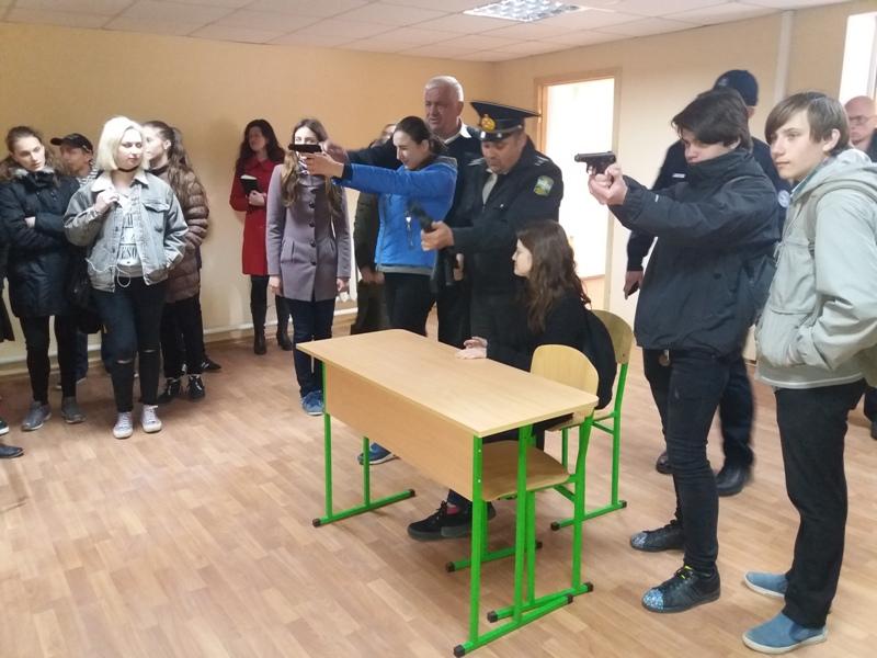 Школьники из Измаила попробовали себя в роли морских пограничников