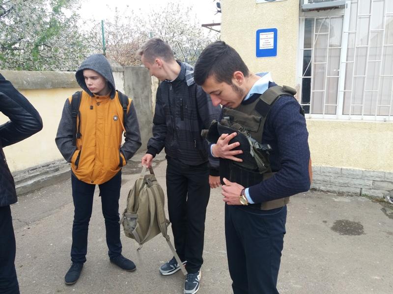 20170419_142609 Школьники из Измаила попробовали себя в роли морских пограничников