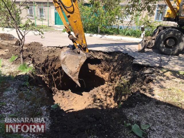 Измаил: после вмешательства руководства города коммунальщики ликвидировали провал на углу улиц Фучика и Соборной